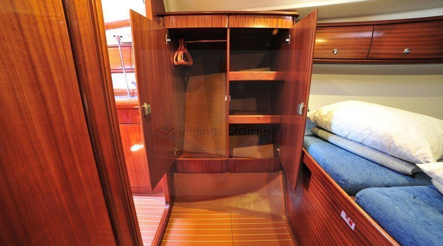 Bavaria 38 (Tommy )  Front Cabin - June 2014 - 18