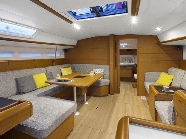 Sun Odyssey 51.9 (Corcho once) Interior image - 1