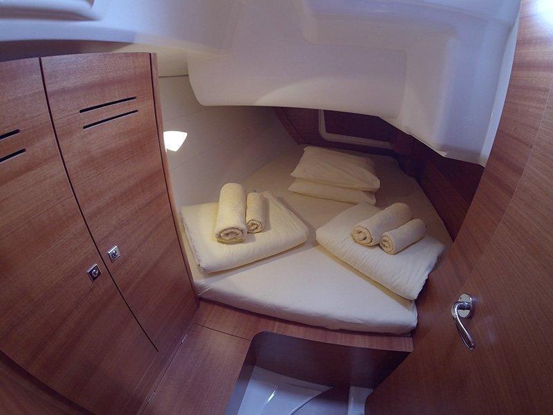 Dufour 350 GL (Luka (webasto, solar panel, additional water tank, shallow draft)) Dufour 350 interior - 19