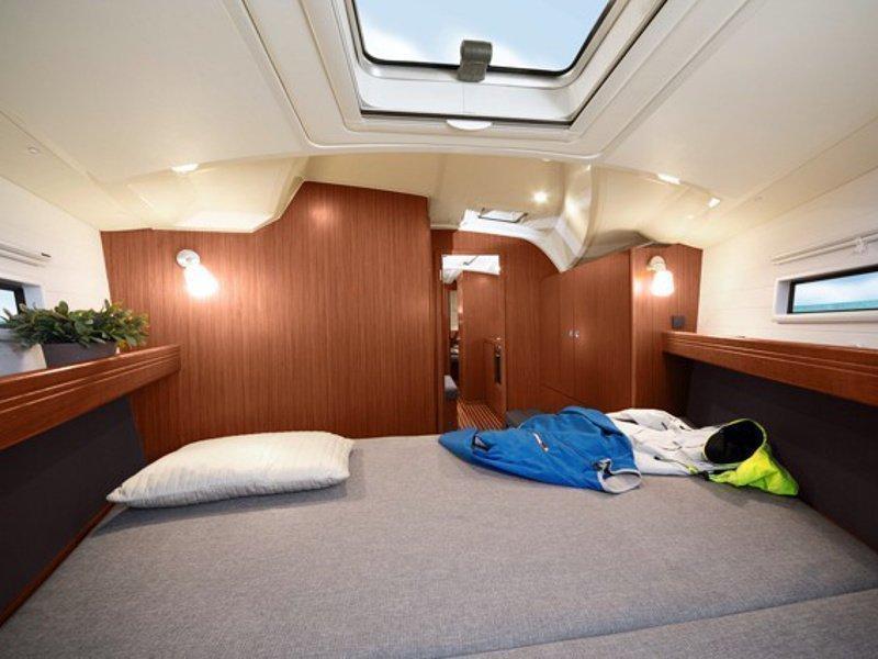 Bavaria Cruiser 41 (Urze) interior - 7