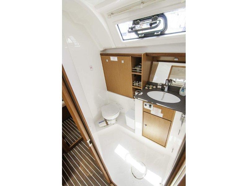 Bavaria 41 Cruiser (Erato) interior - 1