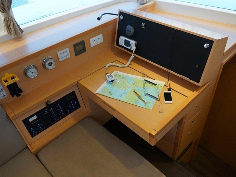 Lagoon 400 S2 (Myrto) interior - 3