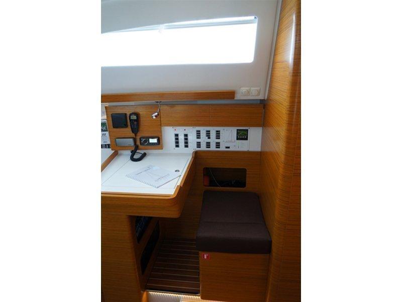 Elan 45 Impression (Thetis) interior - 8