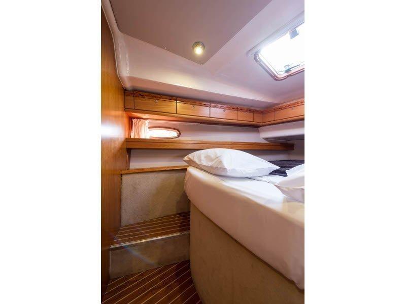 Bavaria 46 Cruiser (Zefyros - Bow & Solar) interior - 12