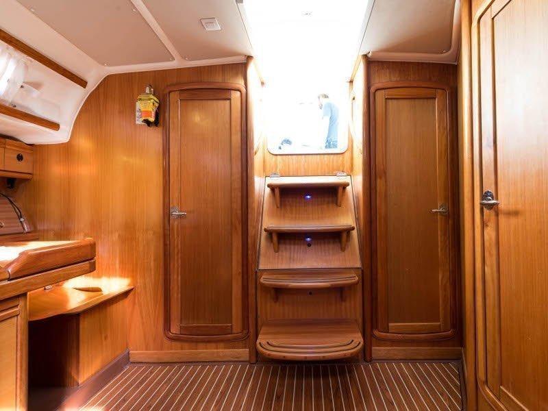 Bavaria 46 Cruiser (Zefyros - Bow & Solar) interior - 17