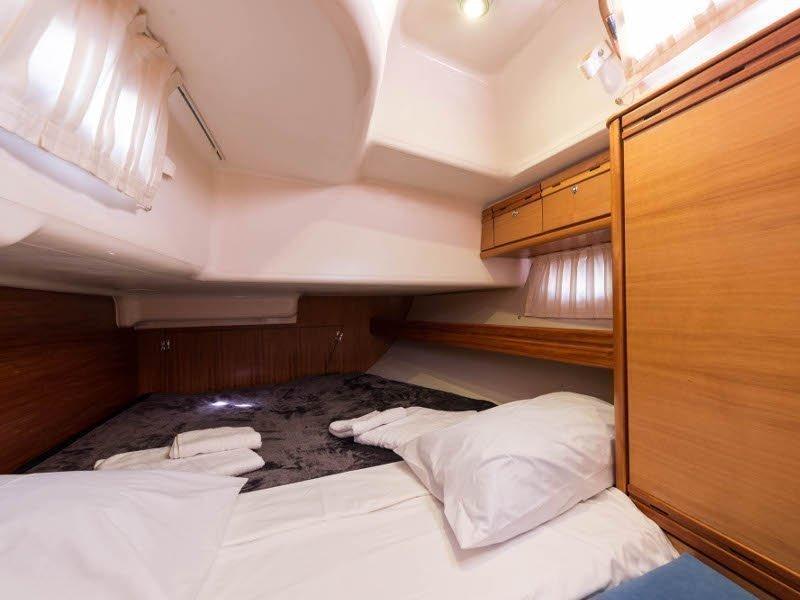 Bavaria 46 Cruiser (Zefyros - Bow & Solar) interior - 19