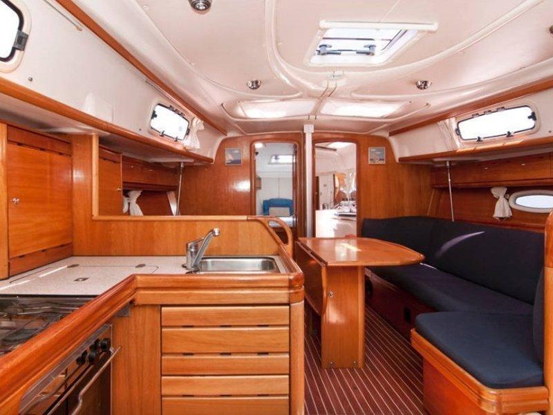 Bavaria 37 Cruiser (El Príncipe Azul) Interior image - 7