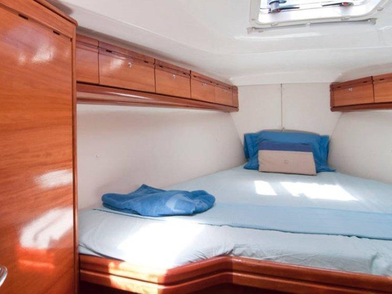 Bavaria 37 Cruiser (El Príncipe Azul) interior - 9