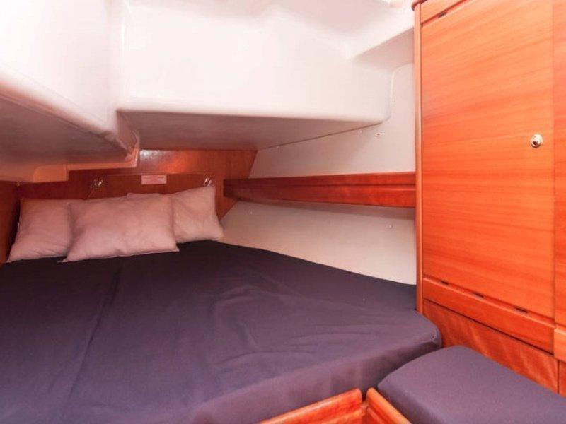 Bavaria 37 Cruiser (El Príncipe Azul) interior - 5