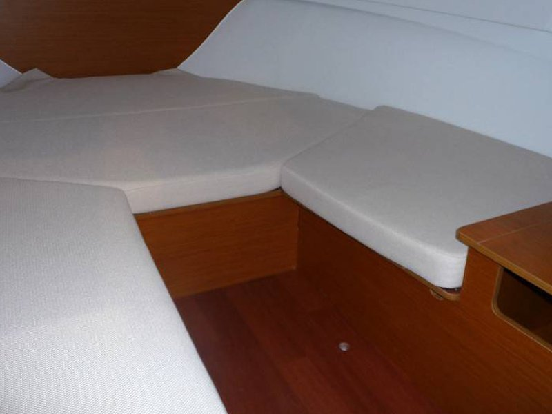Jeanneau Cap Camarat 6.5 WA S2 (Cap Camarat 6.5 WA S2) Interior image - 3