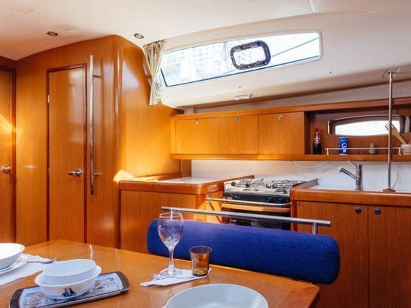 Beneteau Oceanis 43 (Blauw) interior - 6
