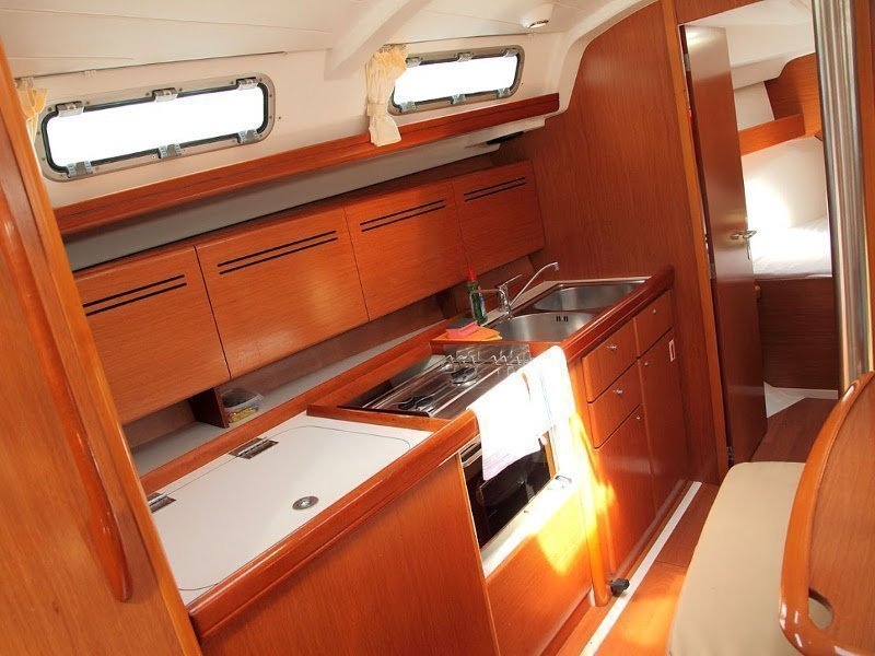 Beneteau Cyclades 39.3 (Alaska) Interior - kitchen (photo taken 2019) - 8
