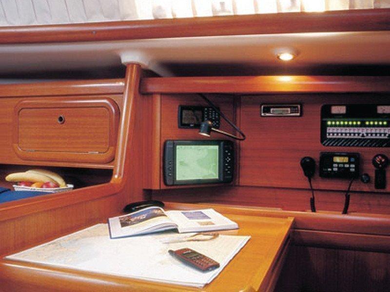 Grand Soleil 40 R (STRIBOR) interior - 1