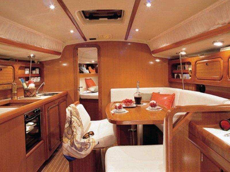 Grand Soleil 40 R (STRIBOR) interior - 3