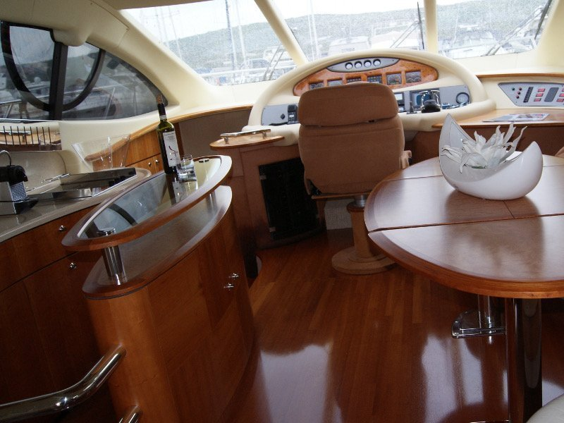 Azimut 55 Evolution (Lady Pi) interior - 15