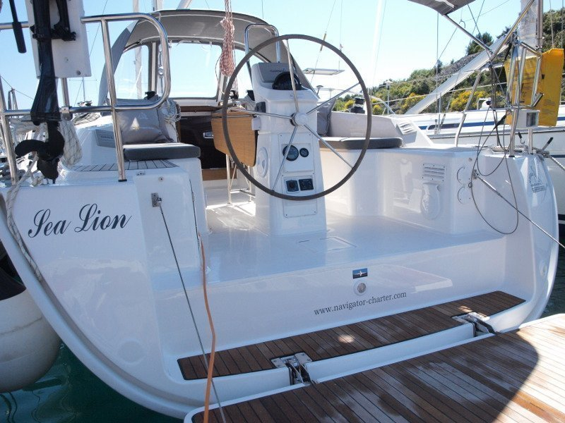 Bavaria Cruiser 33 (Sea Lion) exterior - 15