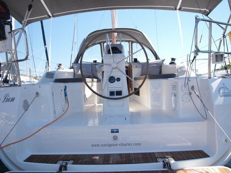 Bavaria Cruiser 33 (Sea Lion) exterior - 4