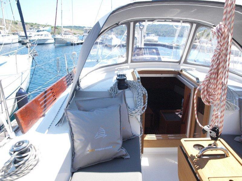 Bavaria Cruiser 33 (Sea Lion) exterior - 14