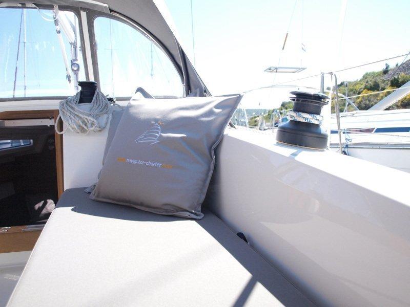 Bavaria Cruiser 33 (Sea Lion) exterior - 13
