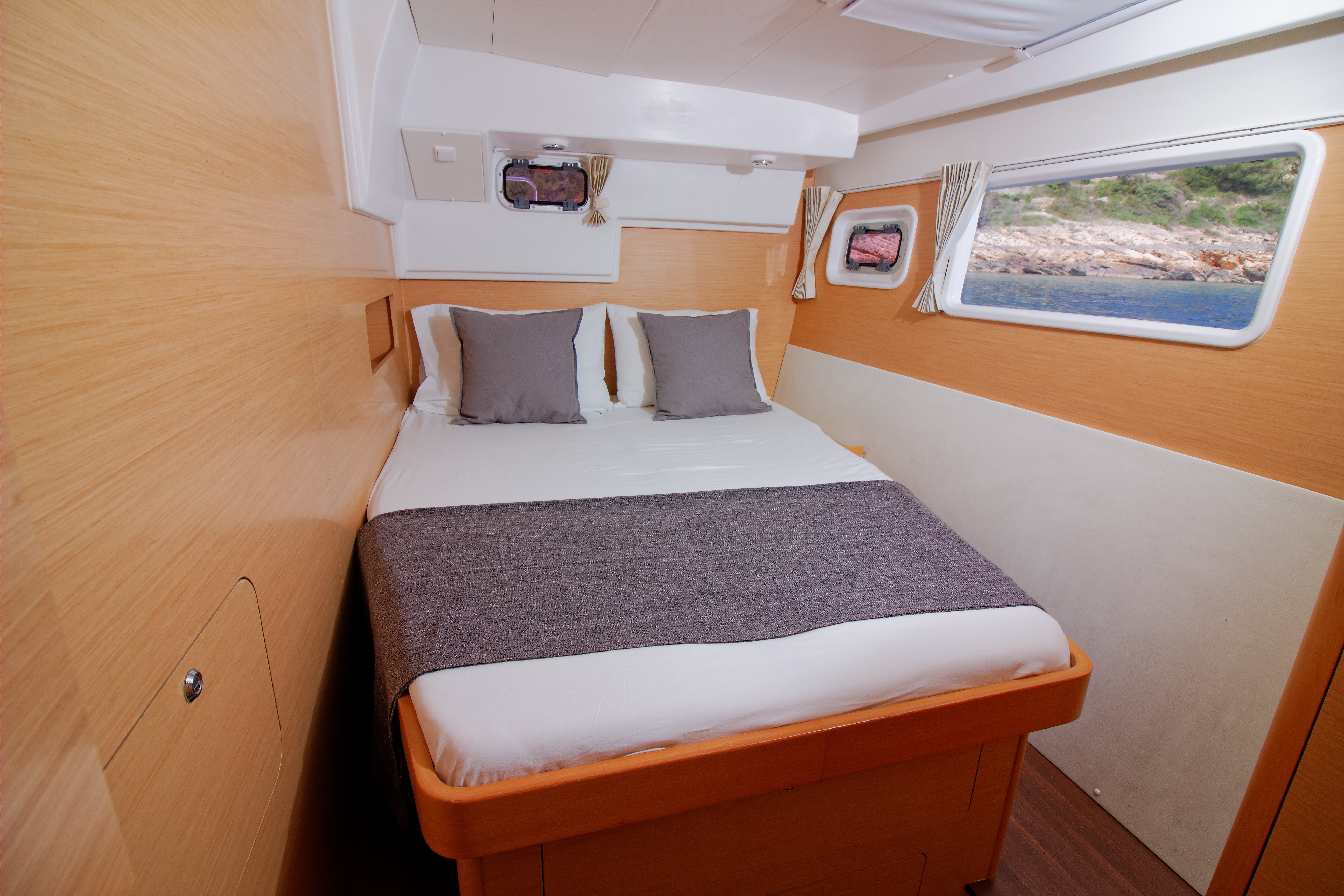 Lagoon 400 (GREENLAND) Interior - cabin (photo taken 2019) - 3
