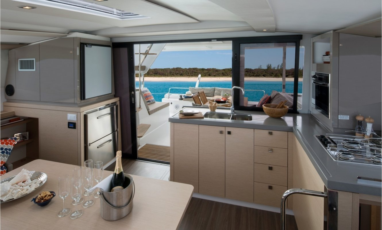 Fountaine Pajot Lucia 40 - 3 cab. (Whoop-Sea)  - 11