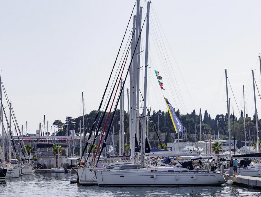Bavaria 42 Cruiser (Lady Clam)  - 3