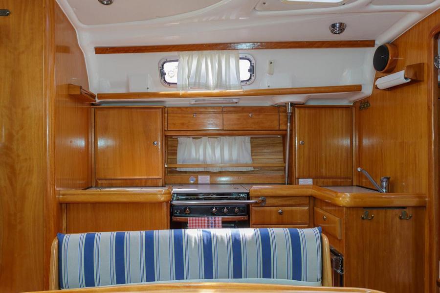 Bavaria 42 Cruiser (Lady Clam)  - 6