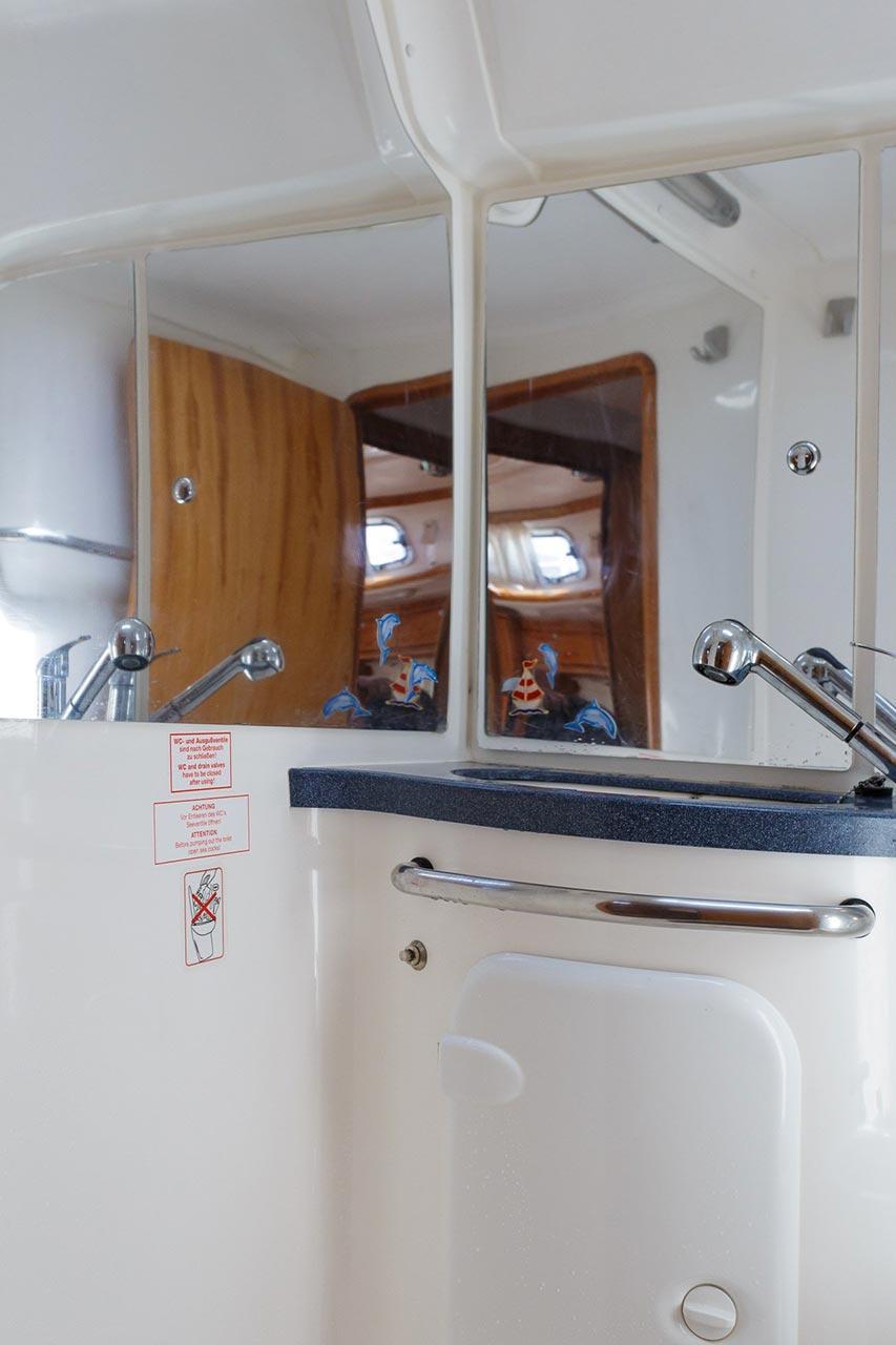 Bavaria 42 Cruiser (Lady Clam)  - 11