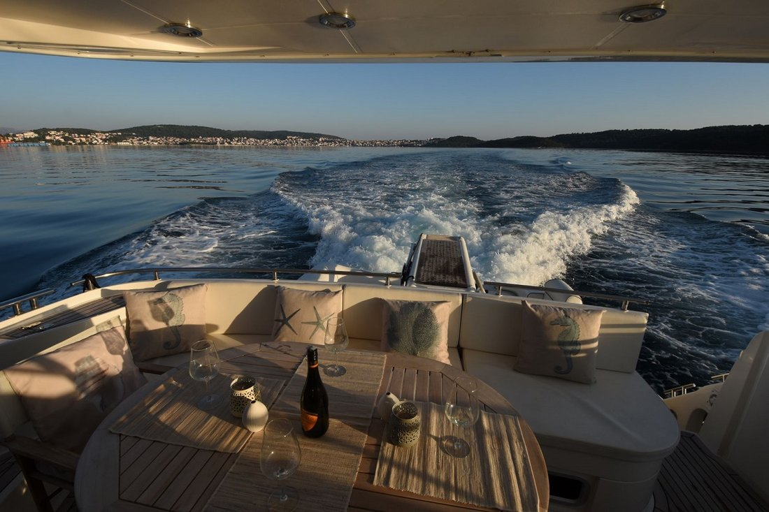 Fairline Phantom 50 (Gecko)  - 8