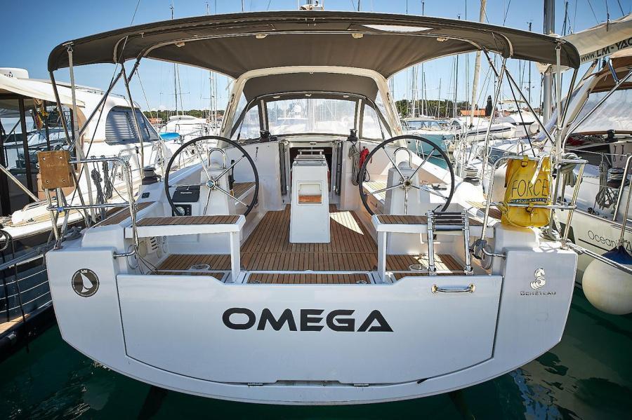 Oceanis 38 - 3 cab. (Omega)  - 2
