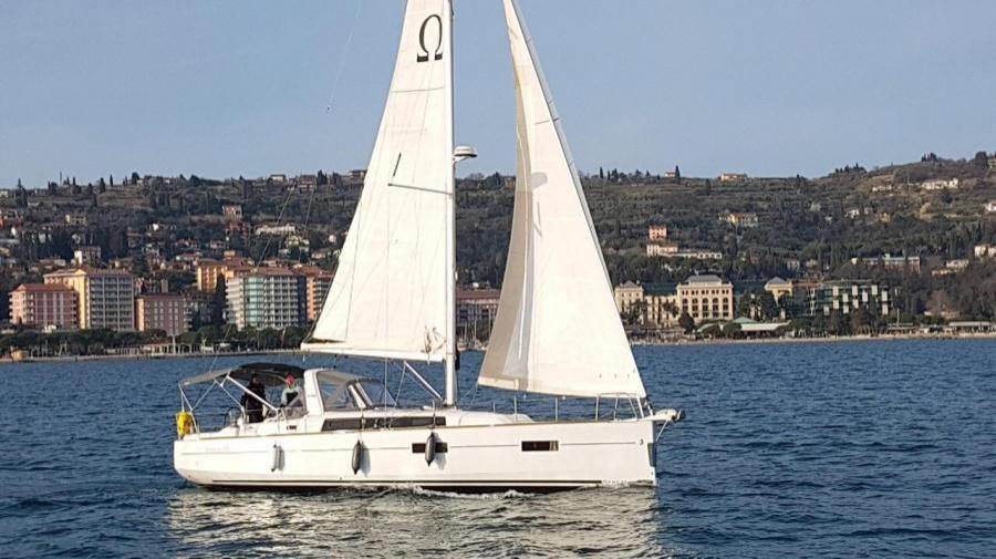 Oceanis 38 - 3 cab. (Omega)  - 10
