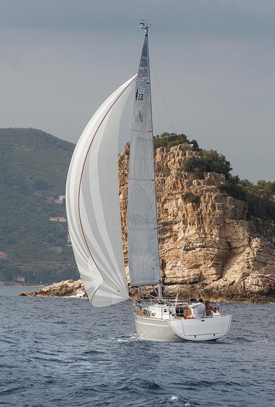 Bavaria Cruiser 33 (Bella)  - 2