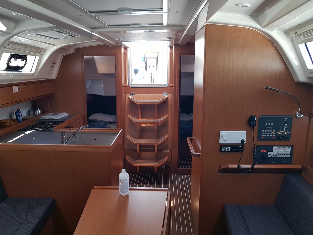 Bavaria Cruiser 37 - 3 cab. (CRUSH)  - 7