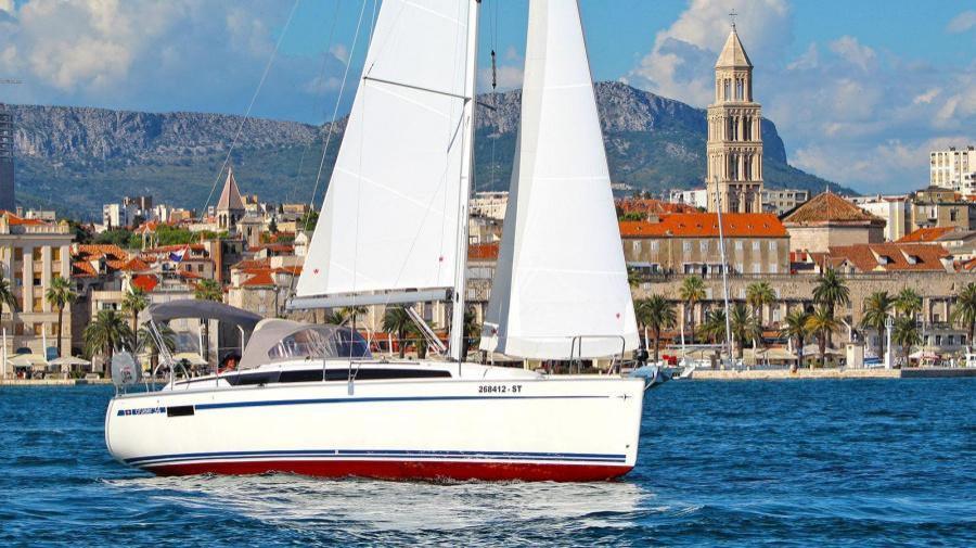 Bavaria Cruiser 34 (Artina)  - 2