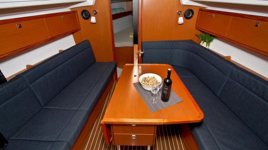 Bavaria Cruiser 34 (Artina)  - 11