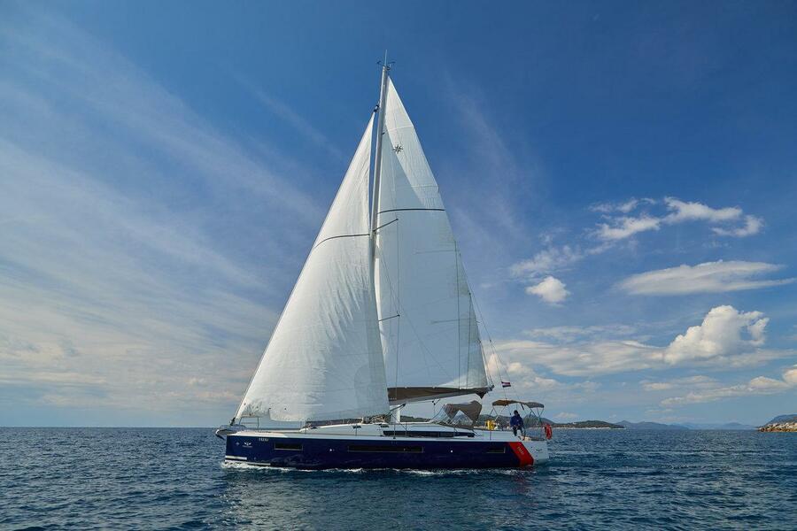 Sun Odyssey 490 - 4 + 1 cab. (FREKI (BLUE HULL, AC+GEN,UNDERWATER LIGHTS))  - 4