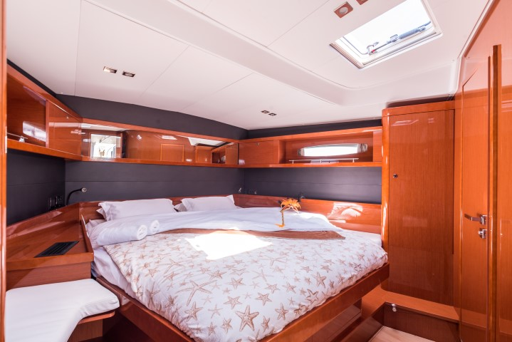 Oceanis 60 (Tourbillon with AC and generator)  - 9