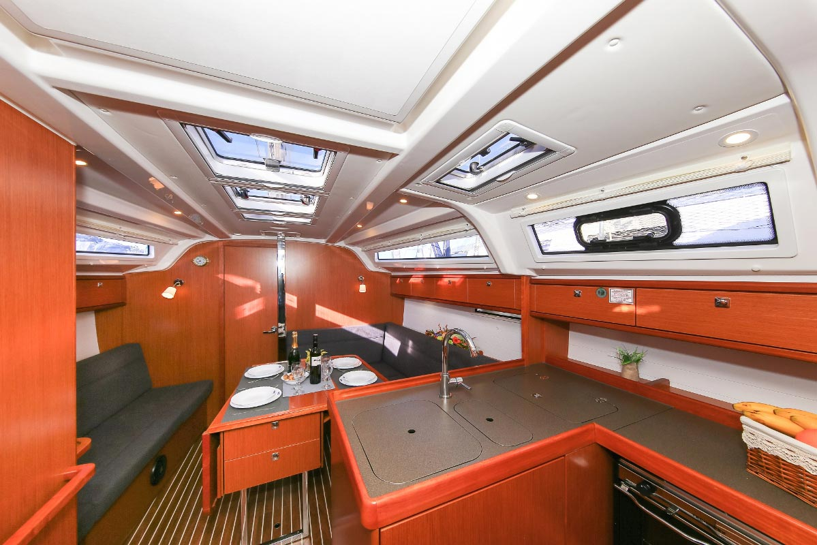 Bavaria Cruiser 37 - 3 cab. (Malo Angeline)  - 11