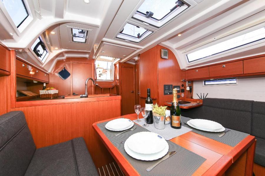 Bavaria Cruiser 37 - 3 cab. (Malo Angeline)  - 15
