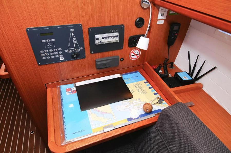 Bavaria Cruiser 37 - 3 cab. (Malo Angeline)  - 17