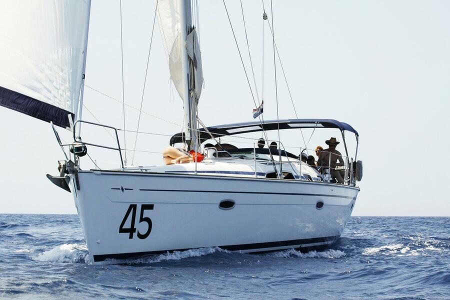 Bavaria 47 Cruiser (Gin Fizz)  - 2