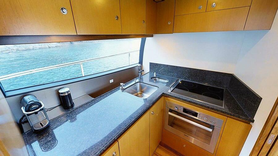 Ferretti Yachts 630 (AMY 3+1 cab.)  - 16