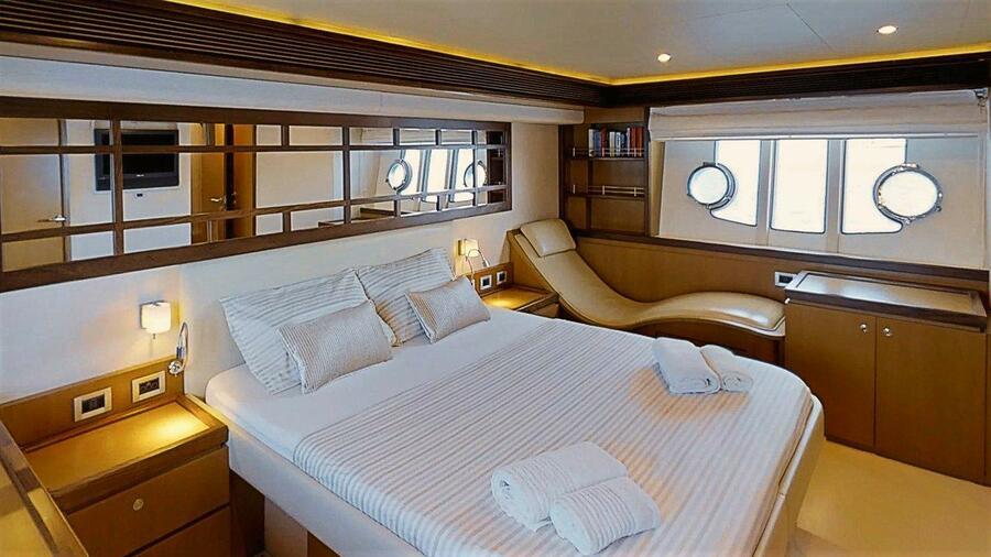 Ferretti Yachts 630 (AMY 3+1 cab.)  - 18