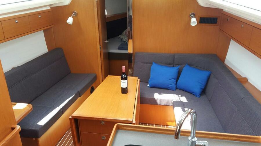 Bavaria 37 Cruiser (Nora)  - 3