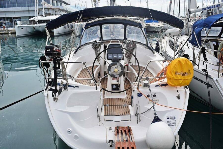 Bavaria 33 Cruiser (Pomena)  - 2