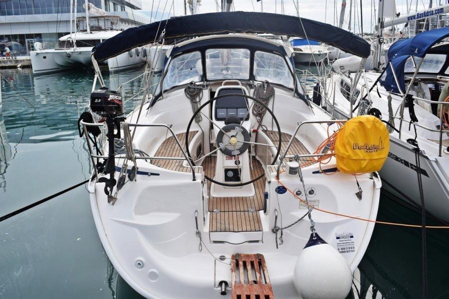 Bavaria 33 Cruiser (Ropa)  - 2