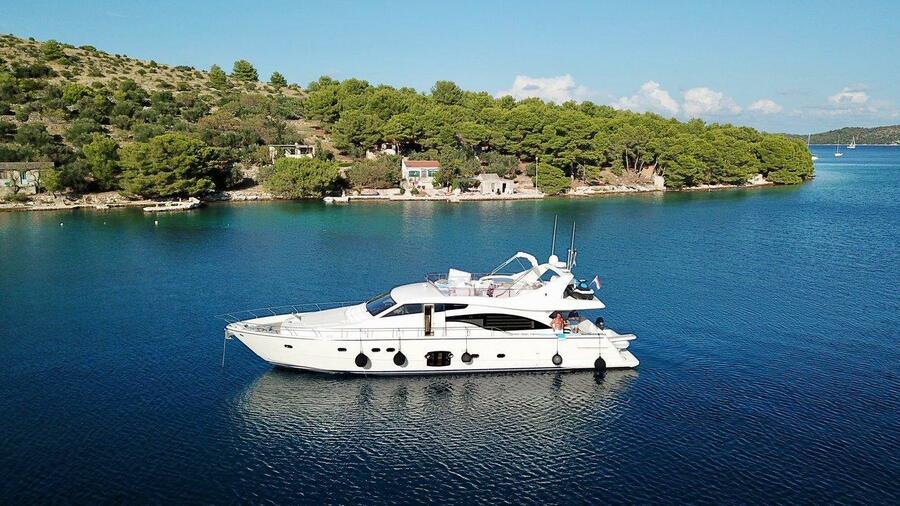 Ferretti Yachts 681 (Dominique)  - 4