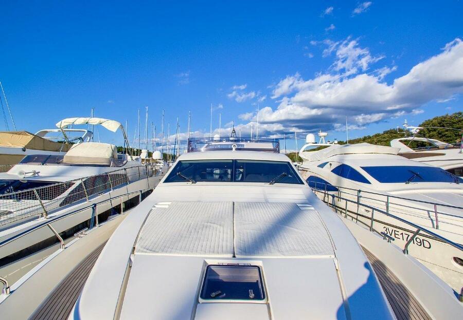 Ferretti Yachts 681 (Dominique)  - 12