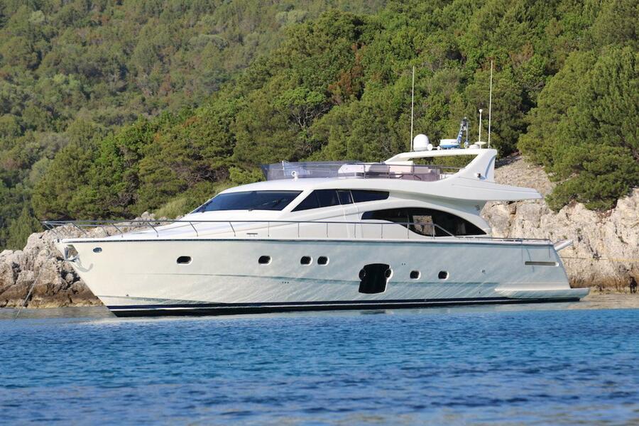 Ferretti Yachts 681 (Dominique)  - 13