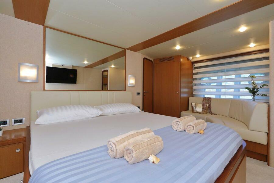 Ferretti Yachts 681 (Dominique)  - 24